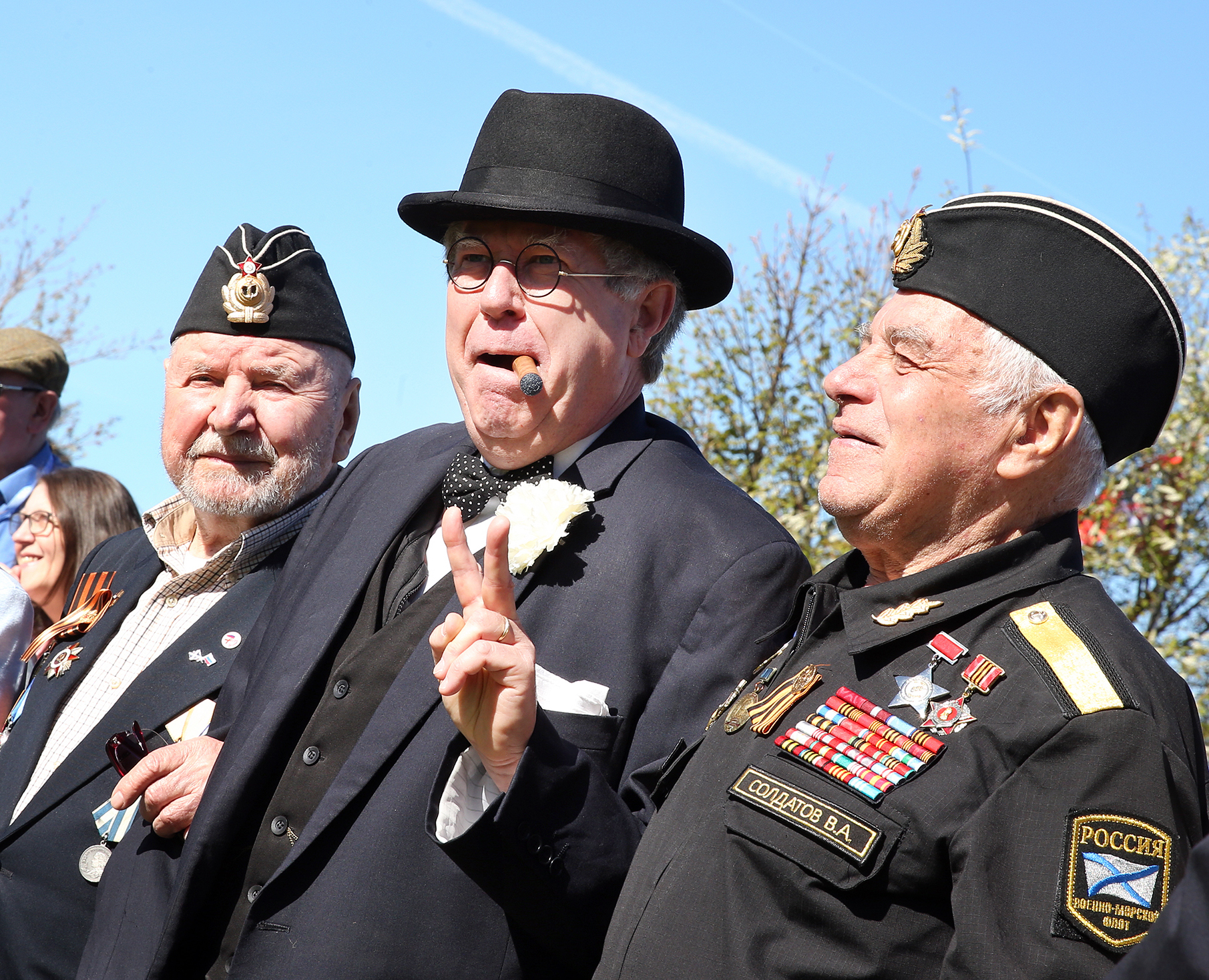 'Winston Churchill' (Richard Gumm) and some of the Russian veterans including Alexander Lochagin.