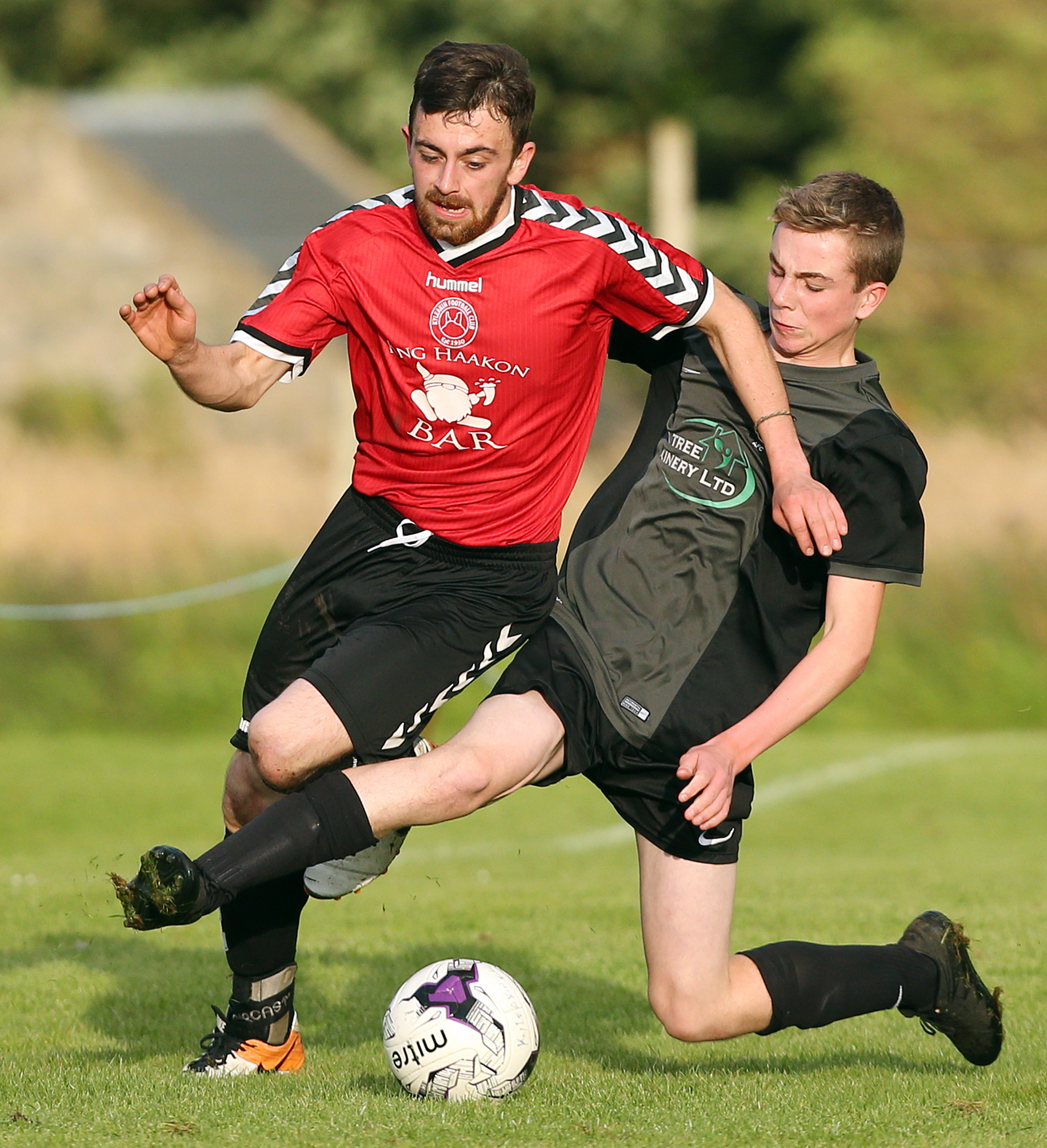 Cameron Thomson in action against Juniors Ryan MacAskill